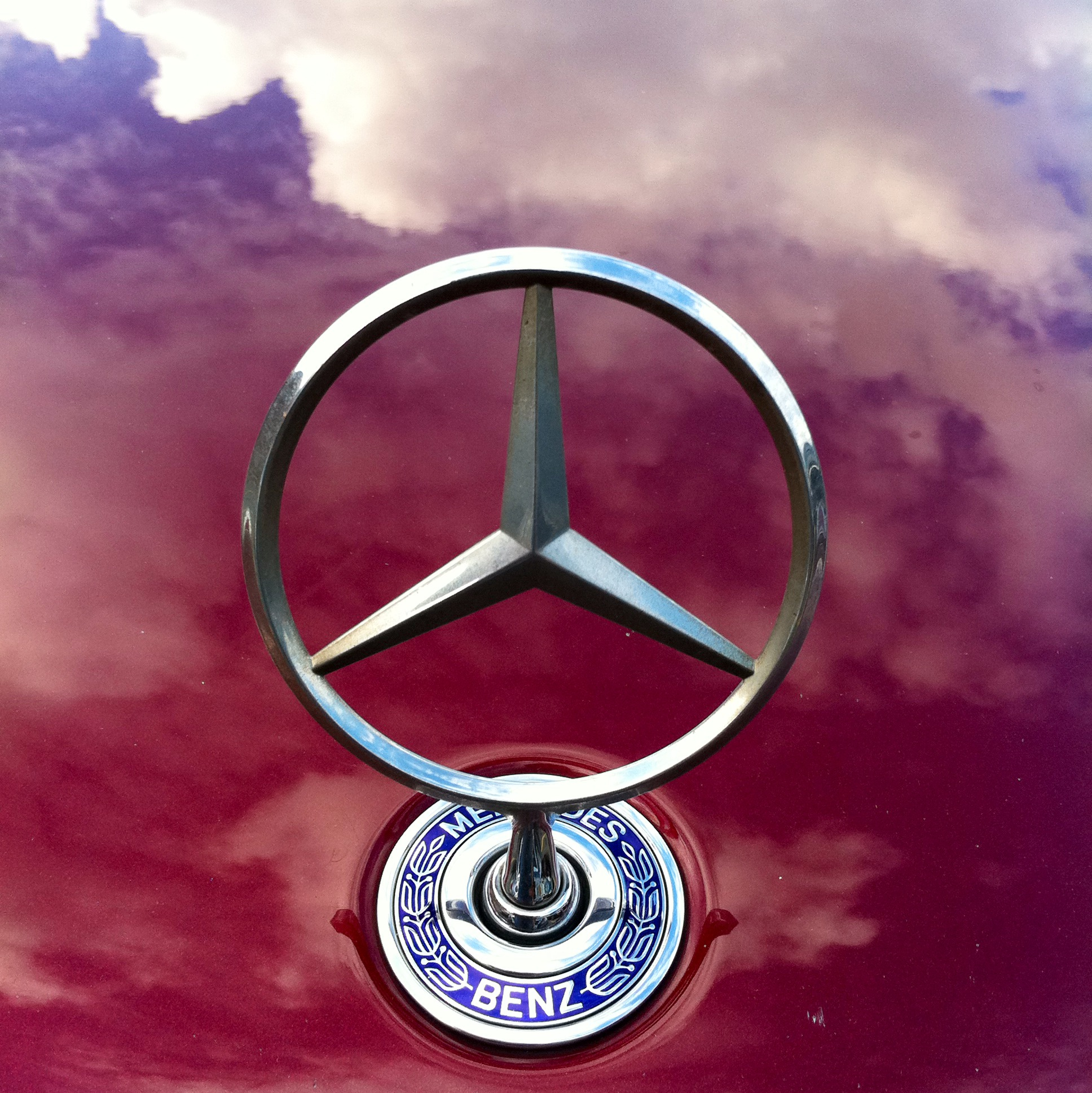 Mercedes benz and instagram a clever way to build your for Mercedes benz twitter